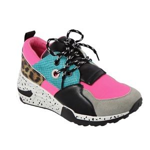 Fashion Women's Colorful Sneaker - Pink
